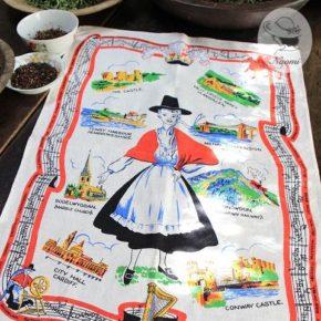 ビンテージのティータオル - 民族衣装