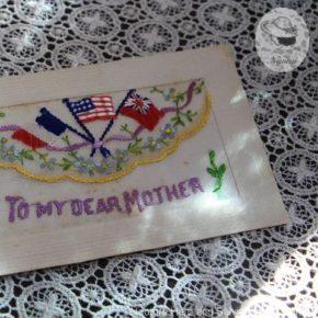 古いシルク刺繍のポストカード
