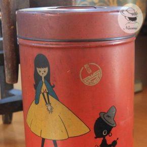 昭和レトロな可愛い缶 – 女の子とわんちゃん