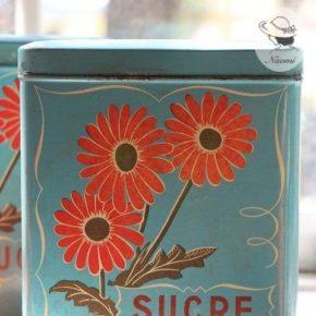 フランスのビンテージTin缶 - VICHY-PRUNELLE