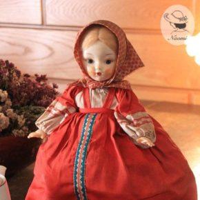 ソ連のティーコゼー人形