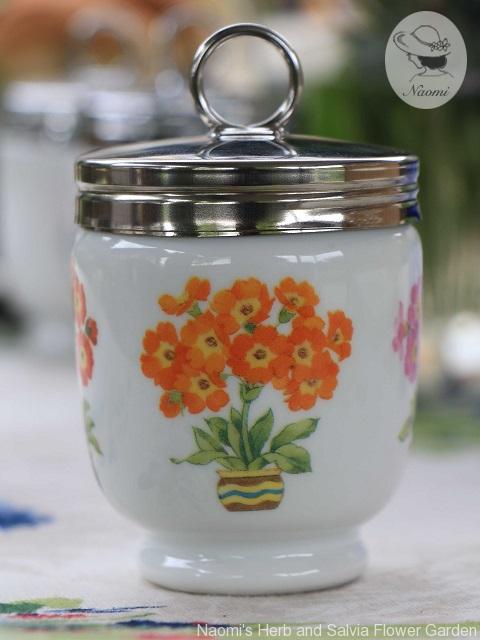 ロイヤルウースターのエッグコドラー Primula Pattern
