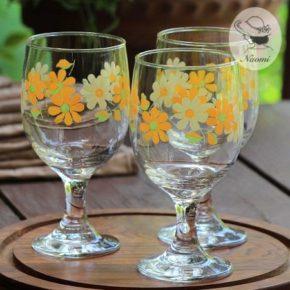 昭和レトロなグラス① - 脚付き オレンジ色の花