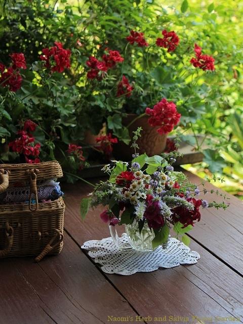 ちょこっと摘んだ庭の花