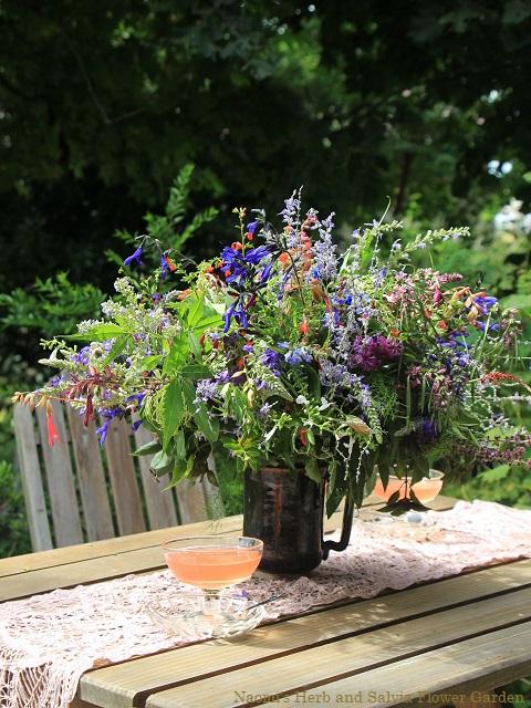 庭の花 テーブルフラワー