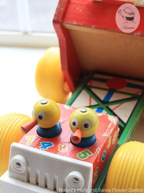 Vintage Fisher Price Humpty Dump Truck Pull Toy