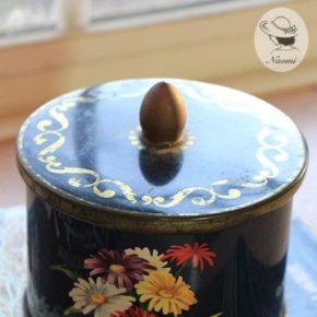 コート ドールチョコレートのビンテージ缶