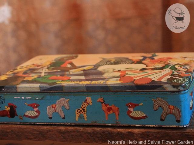 森永セレクトビスケットの缶 おもちゃ箱