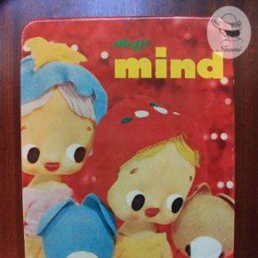 明治マインドビスケットの缶③ - ポーズ人形とわんちゃん
