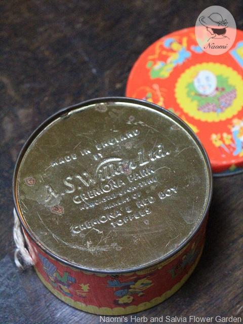 ビンテージのトフィー缶 マザーグースのナーサリーライム