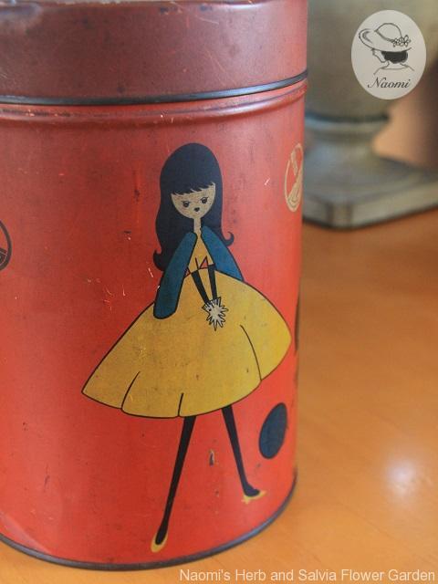 昭和レトロな可愛い缶 女の子とわんちゃん