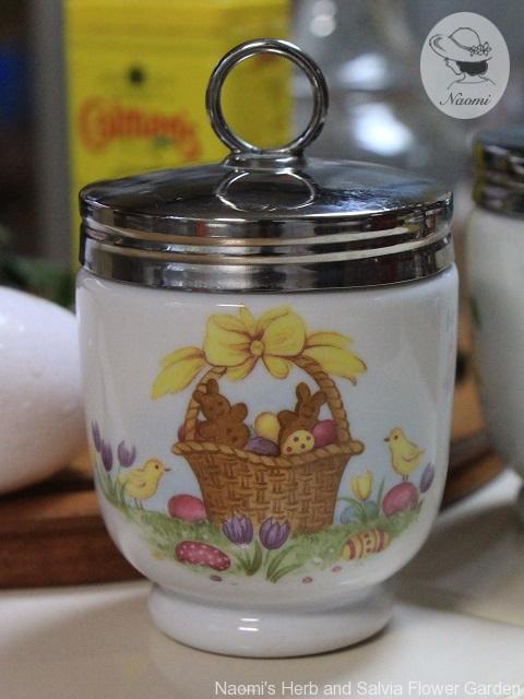 ロイヤルウースター エッグコドラー Easter Bunnies
