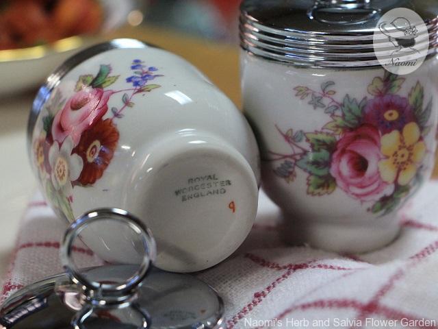 ロイヤルウースター エッグコドラー Royal Worcester Egg Coddler Louise Pattern