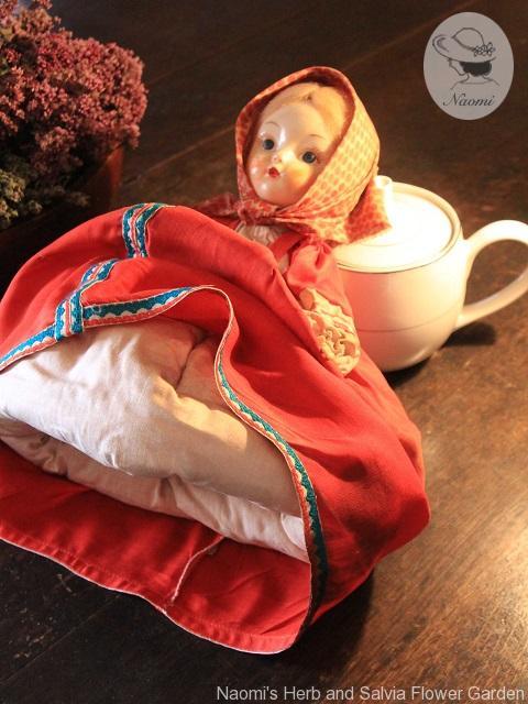 ソ連のティーコゼー人形 Vintage Russian Tea Cozy Doll