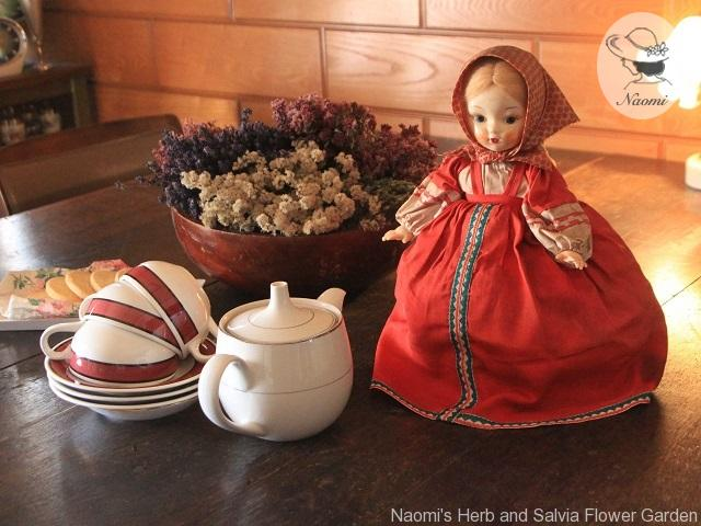 ソ連のティーコゼー人形 Vintage Russian Tea Cozy Doll