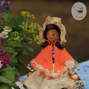 ポーランドの木のビンテージ人形