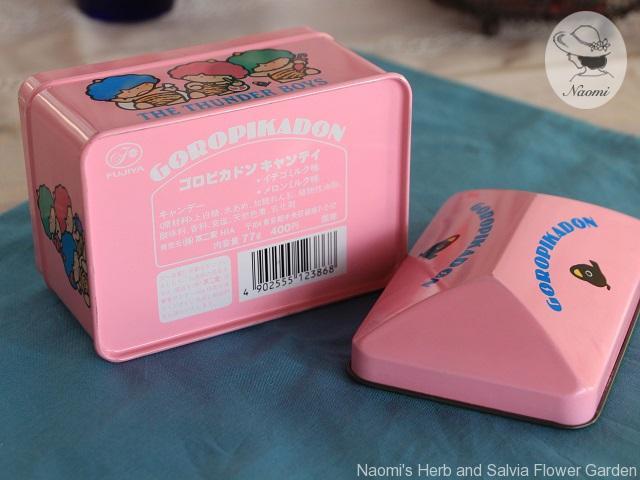 不二家 サンリオ ゴロピカドン キャンディの缶
